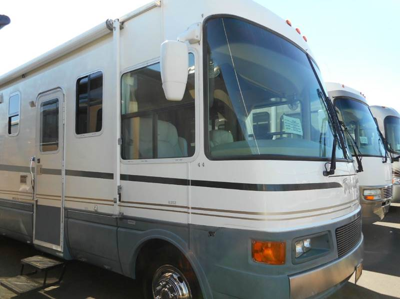 2001 National RV Tropical 6352