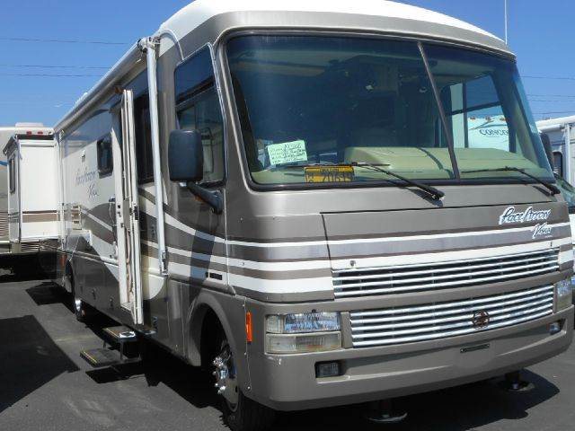 1999 Fleetwood Pace Arrow Vision 36B 2 Slide