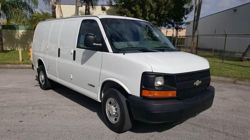 Chevrolet Express Cargo 2004 3500 3dr Van