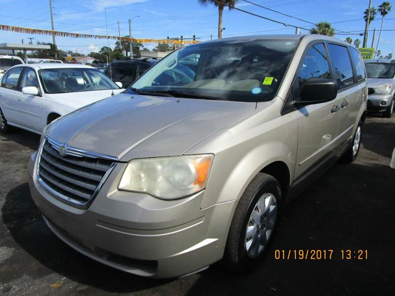 2008 Chrysler Town And Country Lx 4dr Mini Van In Cocoa Fl