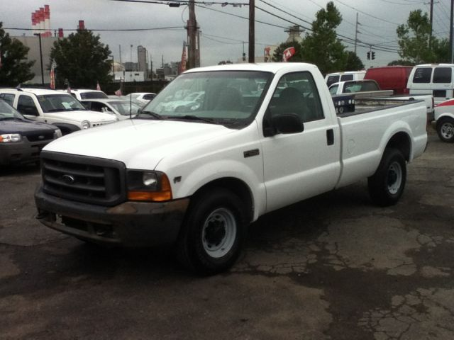 used 2001 ford f 250 super duty xl 2dr regular cab 2wd lb in hicksville ny at best way cars. Black Bedroom Furniture Sets. Home Design Ideas