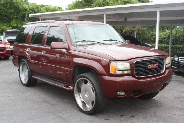 1999 GMC YUKON SLE 4WD dark toreador red metallic 1999 gmc yukon sle priced to sellgreat