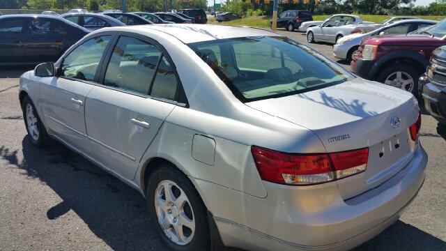 2006 Hyundai Sonata GLS V6 4dr Sedan - Hazlet NJ