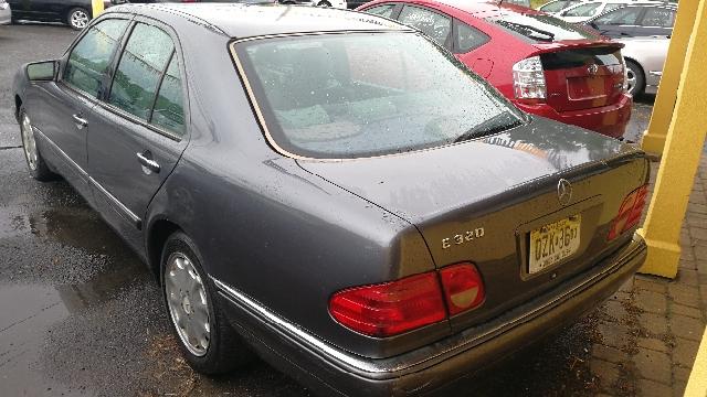 1998 Mercedes-Benz E-Class E 320 4dr Sedan - Hazlet NJ