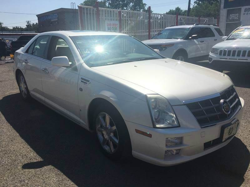 2008 Cadillac Sts car for sale in Detroit
