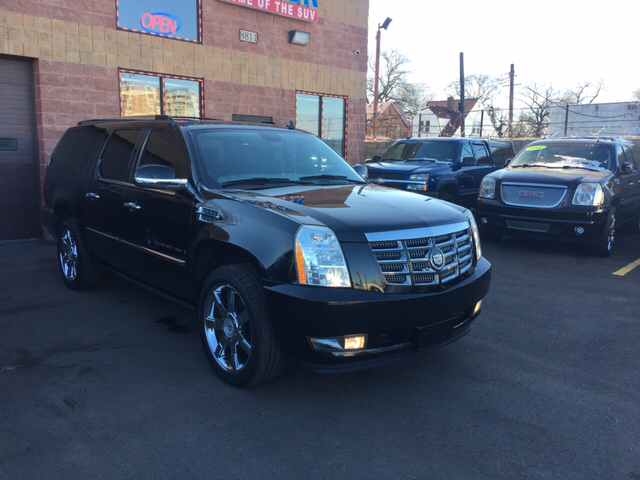 2009 Cadillac Escalade Esv car for sale in Detroit