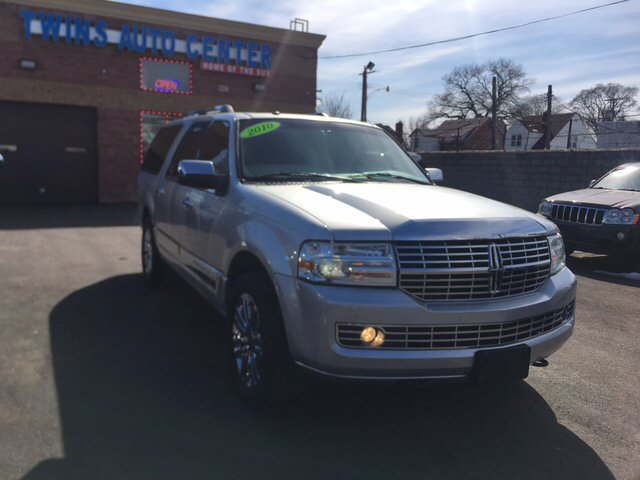 2010 Lincoln Navigator L car for sale in Detroit