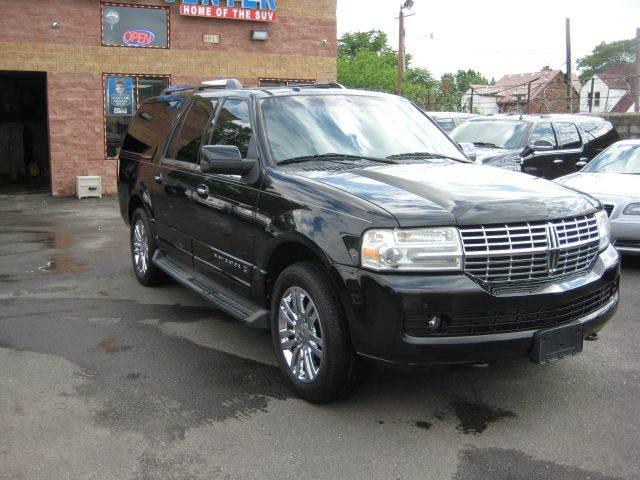 2010 Lincoln Navigator L car for sale in Detroit