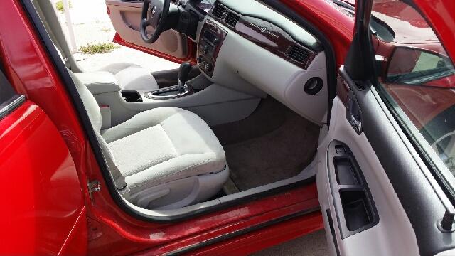 2009 Chevrolet Impala LT 4dr Sedan - Hutchinson KS