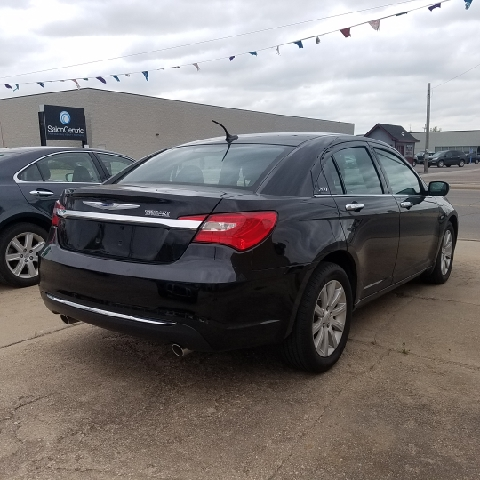 2014 Chrysler 200 Limited 4dr Sedan - Hutchinson KS