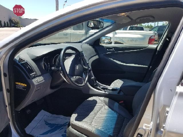 2012 Hyundai Sonata SE 4dr Sedan 6A - Hutchinson KS