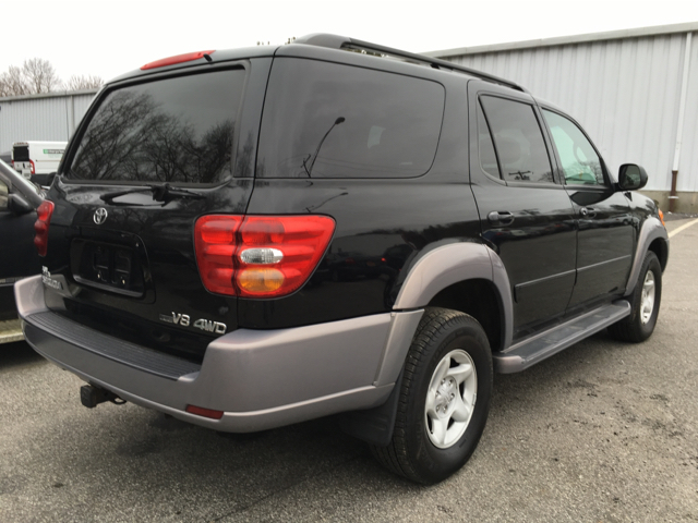 2001 toyota sequoia sr5 4wd 4dr suv in poughkeepsie ny auto warehouse. Black Bedroom Furniture Sets. Home Design Ideas