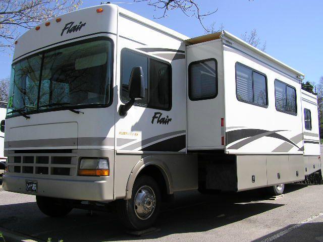 2003 Fleetwood Flair 33R