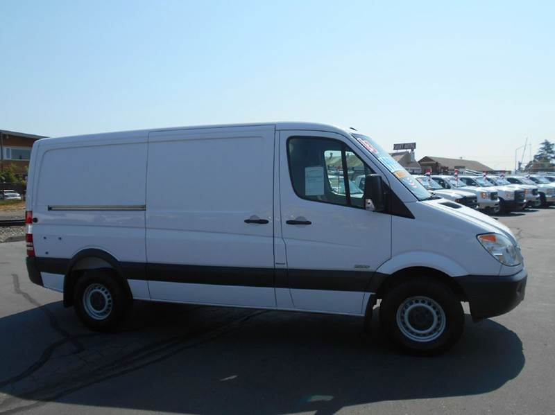 2013 mercedes benz sprinter cargo 2500 144 wb 3dr cargo for Mercedes benz sprinter 2500 mpg