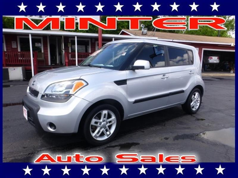 2011 KIA SOUL WAGON AUTOMATIC bright silver 2 12v pwr outlets5 passenger seating6040 split-f