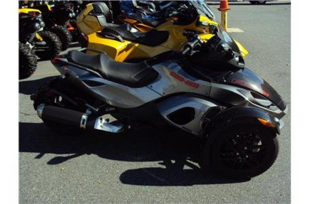 2011 Can-AM® Spyder RSS SE5