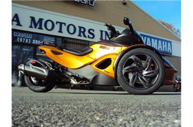 2013 Can-Am™ Spyder RSS SM5