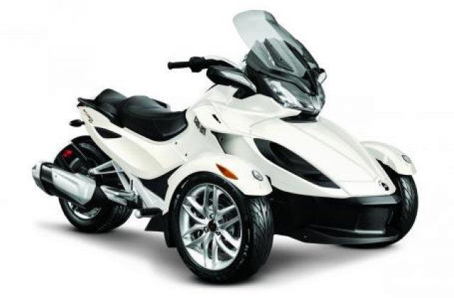2014 Can-AM® Spyder ST SE5