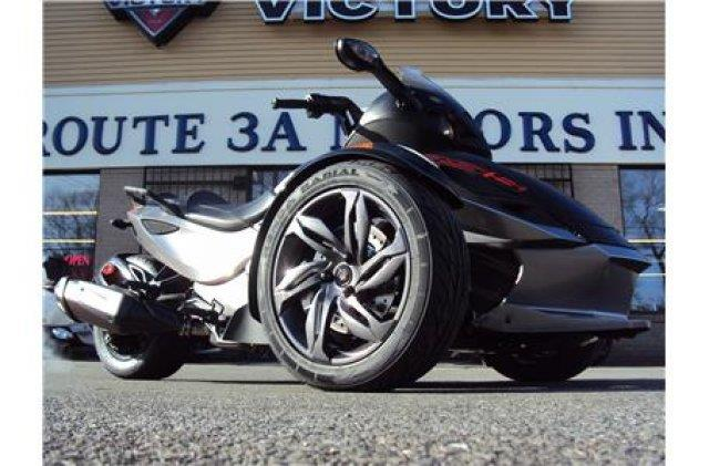 2013 Can-Am™ Spyder RSS SE5