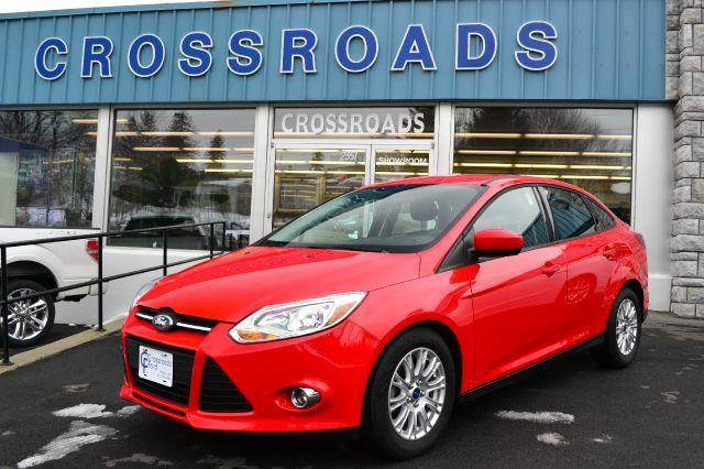 2012 FORD FOCUS SE SEDAN red great car 2012 ford focus se like-new with power windows locks