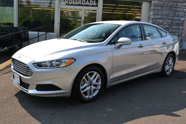 2013 FORD FUSION SE ingot silver metallic like-new 2013 ford fusion se only 1200 miles full