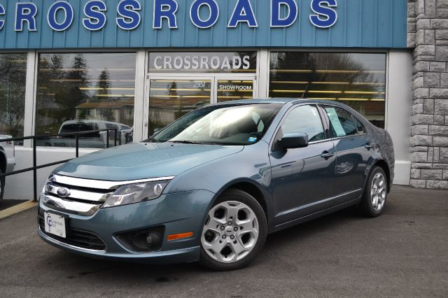 2011 FORD FUSION SE blue low miles- and great mpg 2011 ford fusion se with an economical 25l 4