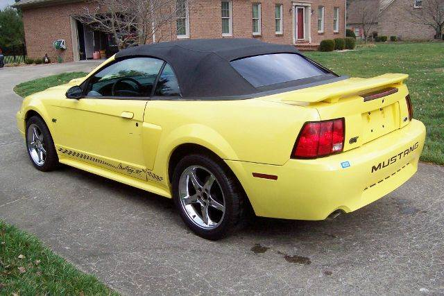2003 Ford Mustang GT Deluxe 2dr Convertible - Nicholasville KY