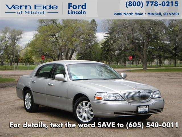 2008 LINCOLN Town Car for sale in Mitchell SD