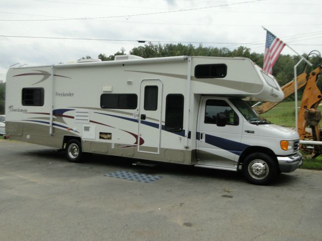 used rvs motorhomes and travel trailers for sale oodle marketplace. Black Bedroom Furniture Sets. Home Design Ideas