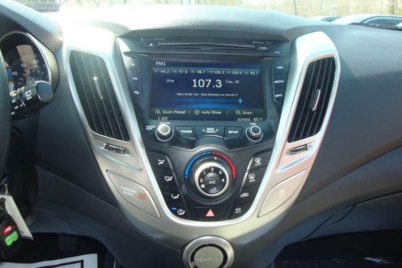 2013 Hyundai Veloster 3dr Coupe - Lanham MD
