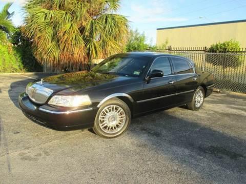 2008 Lincoln Town Car for sale in Miami, FL