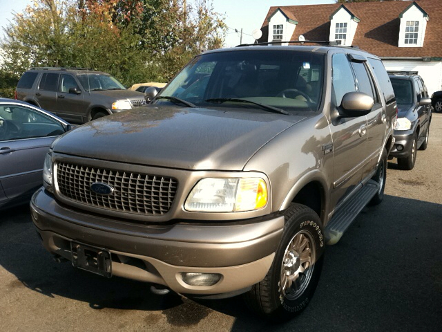 2002 ford expedition eddie bauer 4wd 4dr suv in fredericksburg va family motors. Black Bedroom Furniture Sets. Home Design Ideas