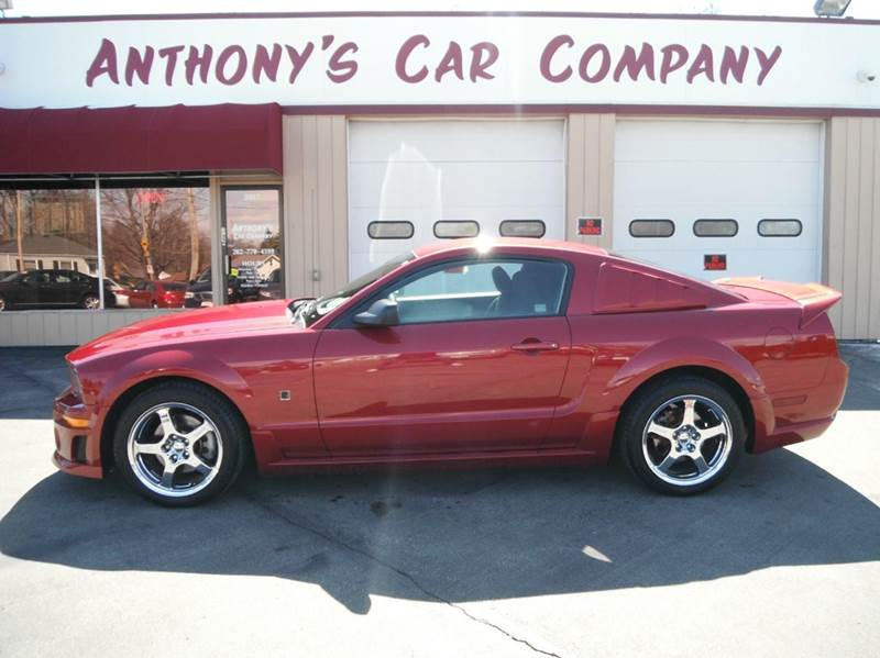 2005 ford mustang gt deluxe 2dr coupe in racine wi. Black Bedroom Furniture Sets. Home Design Ideas