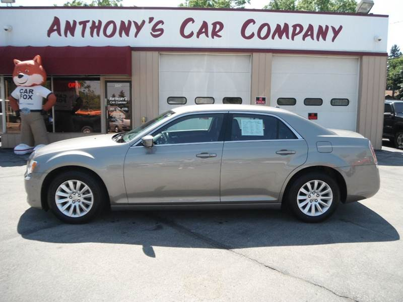 2014 Chrysler 300 4dr Sedan - Racine WI