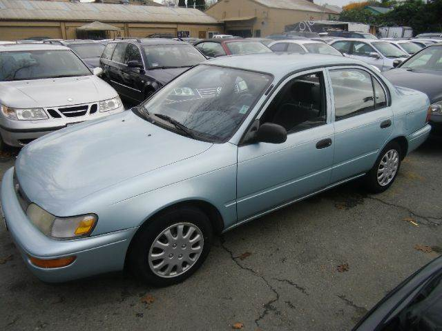1995 TOYOTA COROLLA 4DR STD SEDAN
