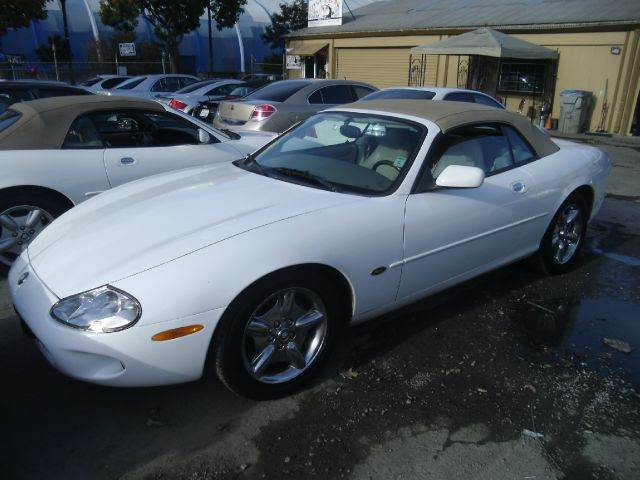 1998 JAGUAR XK-SERIES XK8 2DR CONVERTIBLE