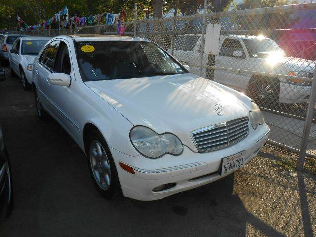 2002 MERCEDES-BENZ C-CLASS C240 SEDAN white abs brakesair conditioningalloy wheelsamfm radioa