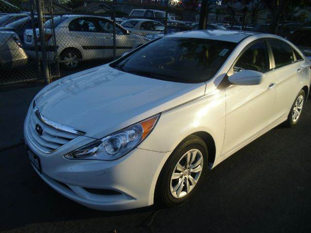 2012 HYUNDAI SONATA GLS 4DR SEDAN 6A white 2-stage unlocking abs - 4-wheel active head restraint
