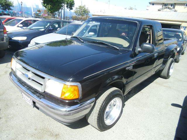 1997 FORD RANGER XLT STEPSIDE black air conditioning amfm radio wcd player 0 miles VIN 1FTDR