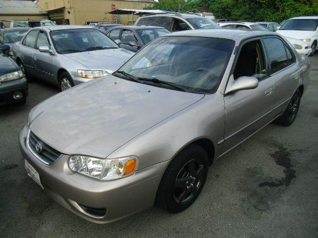 2001 TOYOTA COROLLA LE 4DR SEDAN gold cassette center console clock daytime running lights ex
