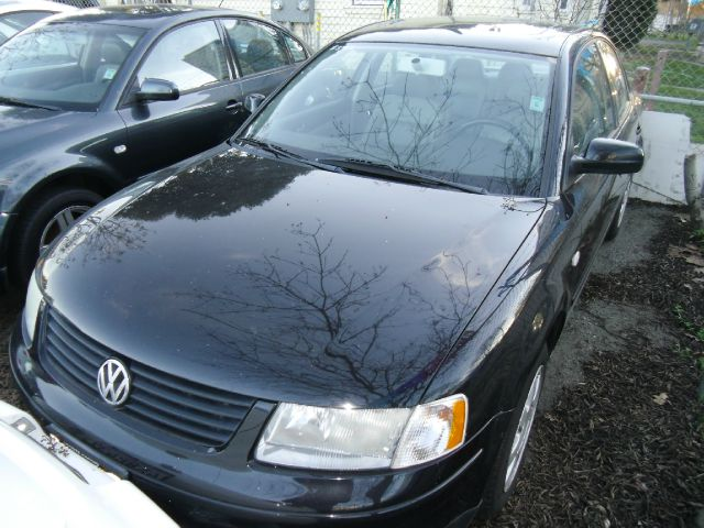 2001 VOLKSWAGEN PASSAT GLS black abs brakesair conditioningalloy wheelsamfm radioanti-brake s