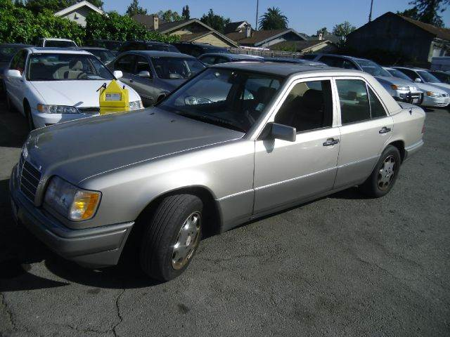 1994 MERCEDES-BENZ E-CLASS E320 4DR SEDAN gold 15 inch wheels abs - 4-wheel alloy wheels antenn