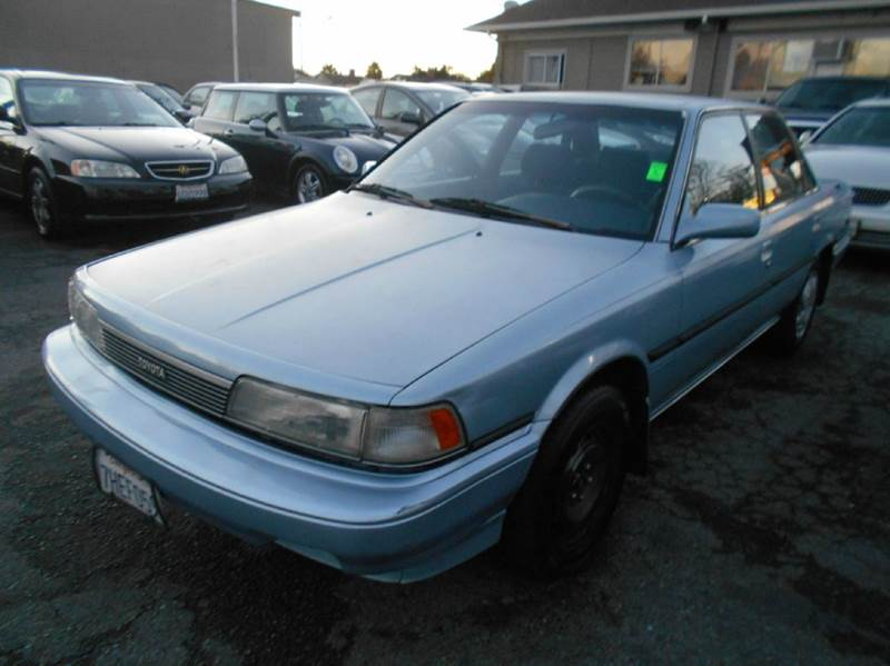 1990 TOYOTA CAMRY LE 4DR SEDAN blue antenna type - power center console exterior entry lights