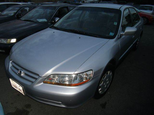 1999 HONDA ACCORD LX silver 4 doorair conditioningamfm radioautomatic transmissioncd playerc