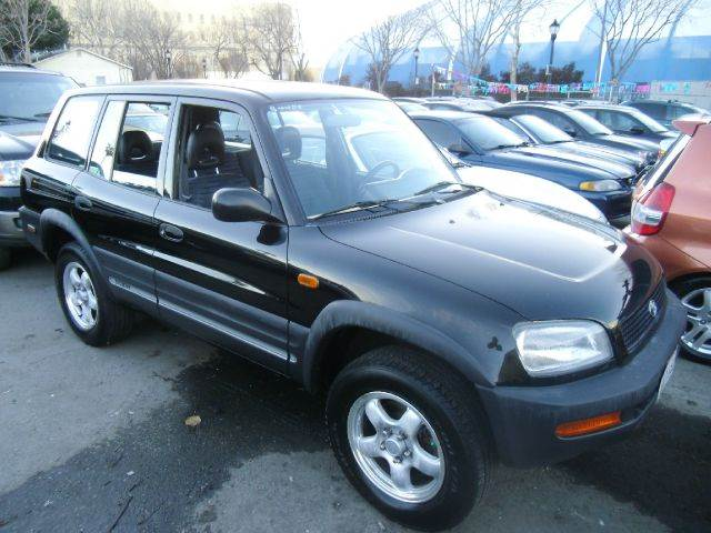 1997 TOYOTA RAV4 BASE AWD 4DR STD SUV