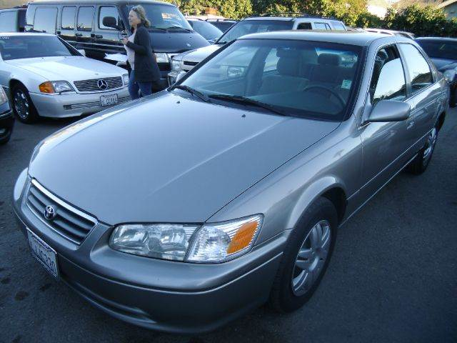 2000 TOYOTA CAMRY LE 4DR SEDAN gray cassette center console cruise control exterior mirrors -
