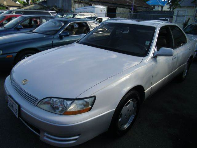 1994 LEXUS ES 300 white abs brakesair conditioningalloy wheelsanti-brake system 4-wheel absbo