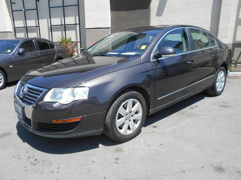 2006 VOLKSWAGEN PASSAT 20T 4DR SEDAN WAUTOMATIC brown abs - 4-wheel active head restraints - d