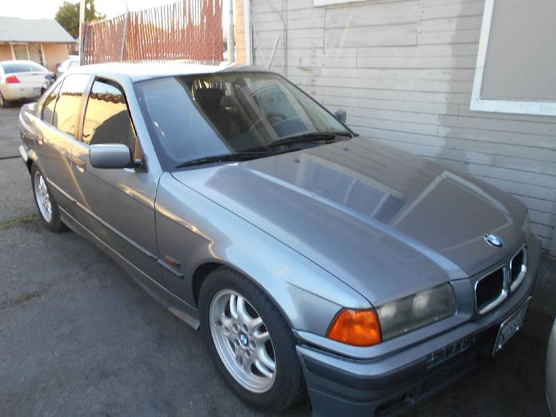 1995 BMW 3 SERIES 325I 4DR SEDAN gray abs - 4-wheel cassette center console clock cruise cont