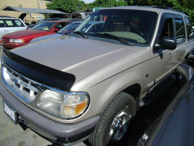 1997 FORD EXPLORER XLT 4-DOOR AWD gold 4wdawdabs brakesair conditioninganti-brake system 4-w